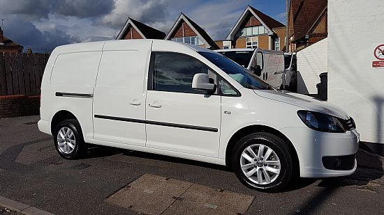 2015 39 15 39 vw caddy maxi 1 6 tdi 102 bhp highline from. Black Bedroom Furniture Sets. Home Design Ideas